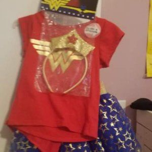 DC Comics Wonder Woman costume. 3T. Brand new.